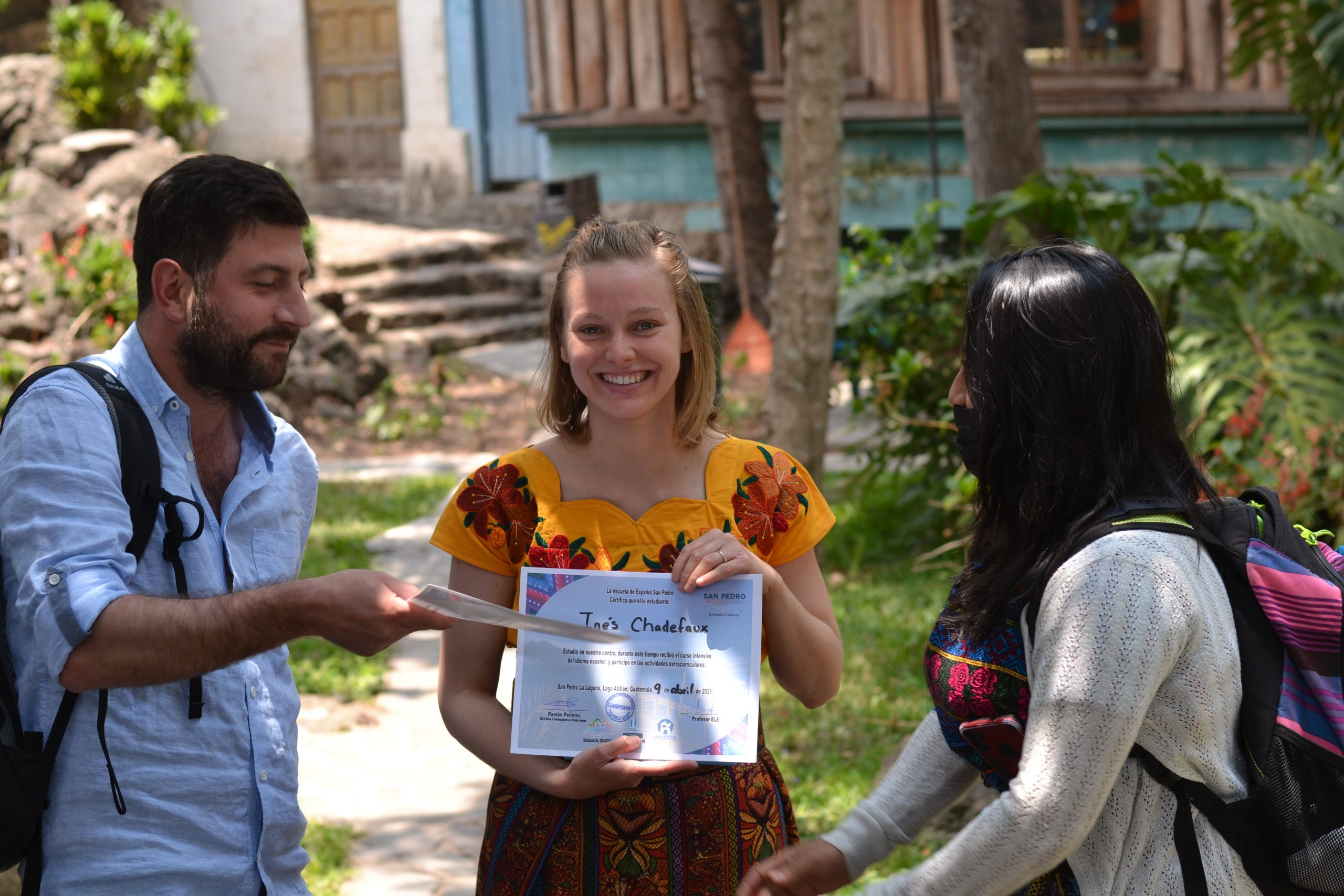 You are currently viewing How to travel responsibly at Lake Atitlán